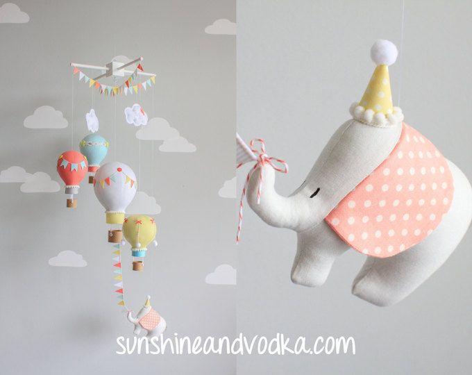Globo de aire caliente, bebé móvil, elefante bebé móvil, decoración cuarto de niños, viajes tema guardería, Coral, amarillo, Aqua y gris, i171