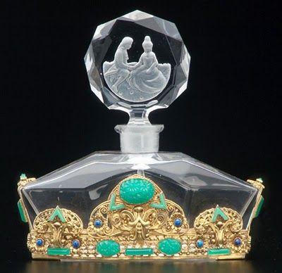 Creative vintage perfume bottle