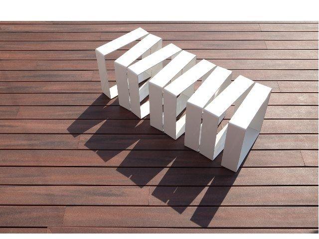 La panca componibile Row di Paolo Ulian per Officinanove