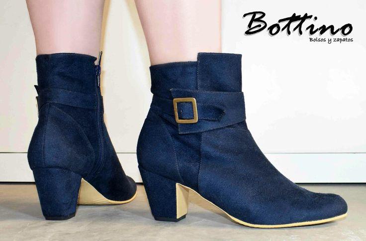 ¿Qué tal de azul? #CompraColombiano #YoUsoBottino #botines #modafemenina #mujer #zapatos #moda #Colombia