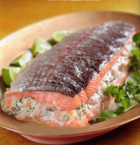 СЁМГА ФАРШИРОВАННАЯ КРЕВЕТКАМИ И СЫРОМ.Фаршированная рыба - традиционное блюдо праздничного стола в ...