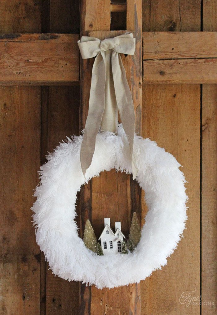 Fluffy Christmas wreath made from Dollarstore dusters