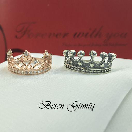Kral Kraliçe Tacı Gümüş Alyans Fiyat : 122,00 TL 2 Adet Alyans Fiyatıdır.. SİPARİŞ için www.besengumus.com www.besensilver.com  İLETİŞİM için Whatsapp 0 544 6418977 Mağaza 0 262 3310170  Maden : 925 Ayar Gümüş Taş : Taşsız - Zirkon Taşlı Kaplama : Oksit - Rose  Besen Gümüş  #besen #gümüş #takı #aksesuar #kral #kraliçe #tacı #alyans #izmit #kocaeli #istanbul #besengumus #tasarım #moda #bayan #erkek