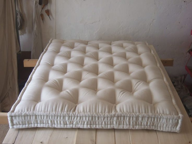 Diy Pillow Top Mattress Pad: 2486 best Tapizado y Acolchado images on Pinterest   Upholstery    ,
