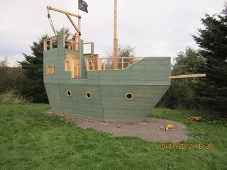 Backyard Kidz: Backyard pirate ship playhouse