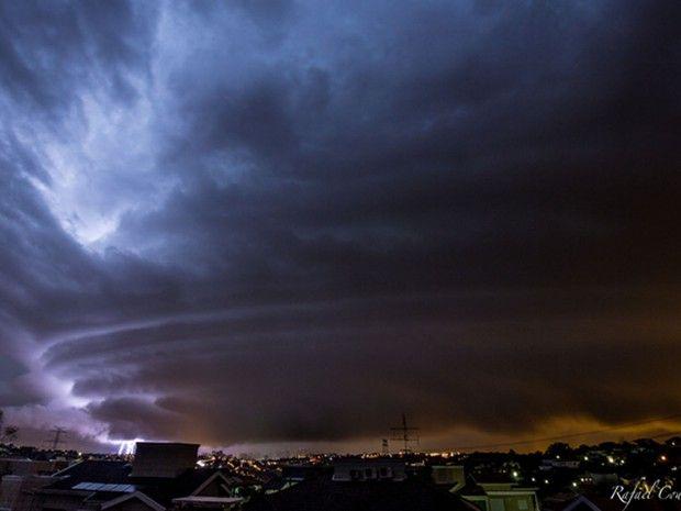 Rafael conseguiu fotografar também uma formação chamada de supercélula, tipo de tempestade caracterizada pela presença de uma corrente de ar ascendente e que gira no interior da nuvem (Foto: Divulgação/Rafael Coutinho)