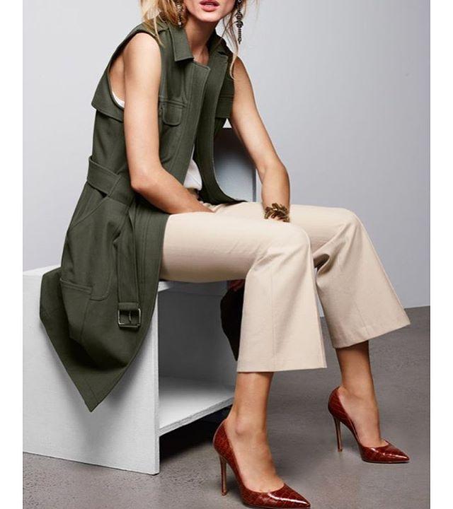A sugestão para essa Quinta é uma combinação de peças em tons de beges e oliva. Amo!! Max colete sem mangas + top básico + calça em corte de alfaiataria + scarpin clássico. Complete com anéis e um belo par de brincos dourados, e arrase! Bjooooo! #dicasdafabi #inspiracao #lookdodia #consultoriadeestilo #dicasdeestilo #consultoriadeimagem #chique #fashion #businesswomen #executivasemterninho