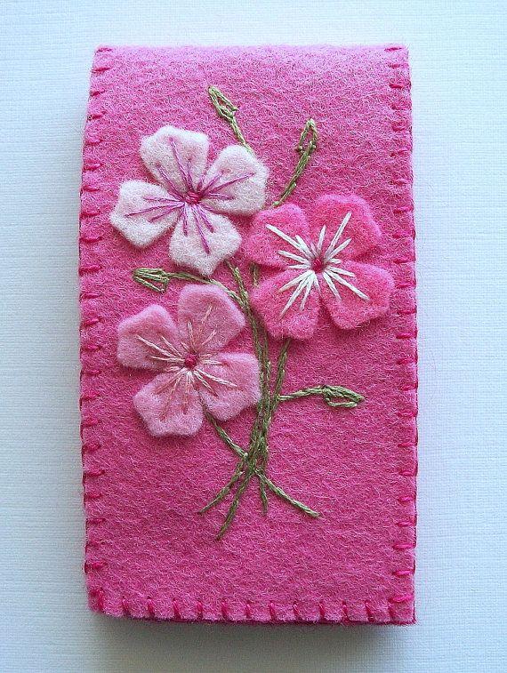 Aguja caso fieltro rosa con flores por HandcraftedorVintage en Etsy