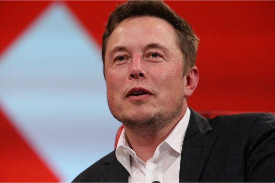 """Elon+Musk-ról+lehet+tudni+korunk+Vasemberének+érzi+magát+és+fél+a+mesterséges+intelligenciától,+ezért+kutatja+eme+""""állatfajt""""+annyira+hevesen.+Most+azzal+a+kijelenésével+döbbentette+meg+a+nagyközönséget,+hogy+mindannyian+kiborgok+vagyunk+már+régóta.+Nem+arra+gondolt,+hogy+mindenkiben,+aki+járt…"""