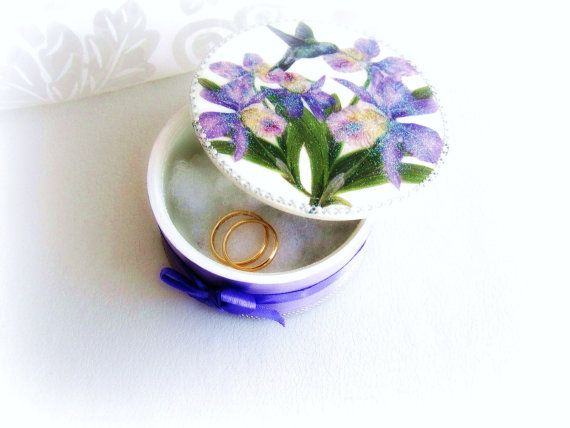 Wooden rings bearer box iris and colibri wood by GattyGatty