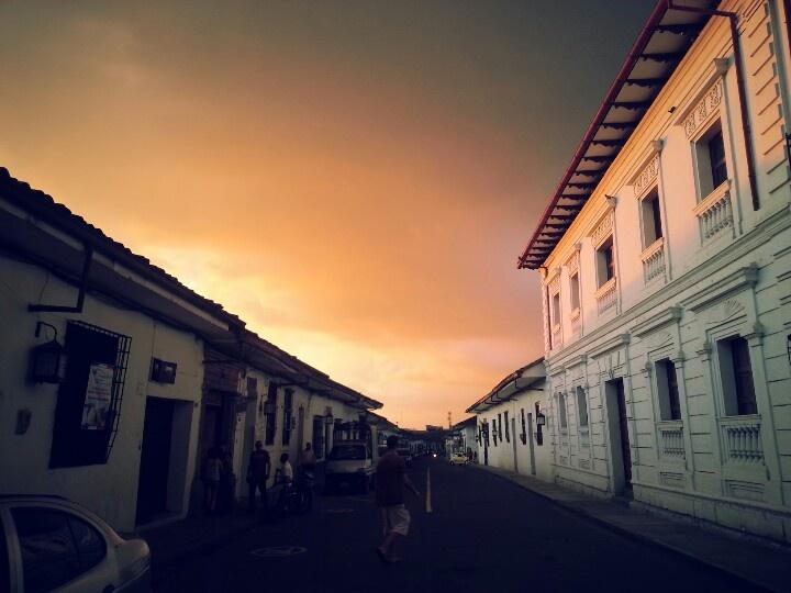 Nube roja sobre Popayán