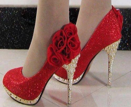 Rose sapatos de salto alto em Chiq