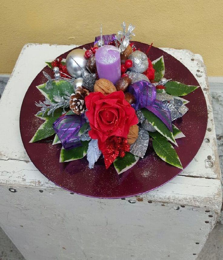 centrotavola natalizio viola e rosso