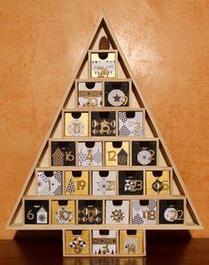 Calendrier de l'Avent en bois, nordic géométric noir, blanc et or