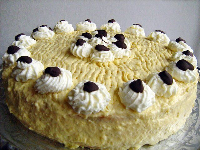 The recipe of the Russian cream torte appeared and was widepsread between the World Wars.