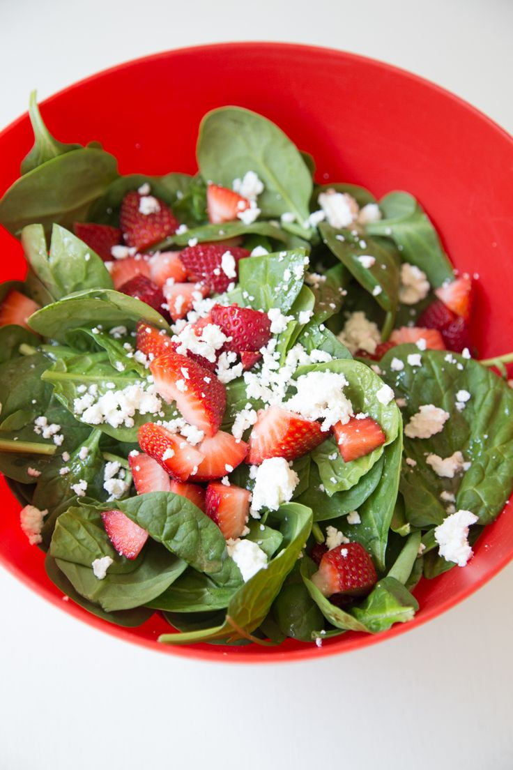 Strawberry Goat Cheese Spinach Salad | 5DollarDinners.com