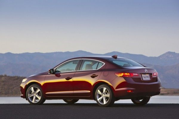 2014 Acura ILX Reds Images 600x399 2014 Acura ILX Review Details