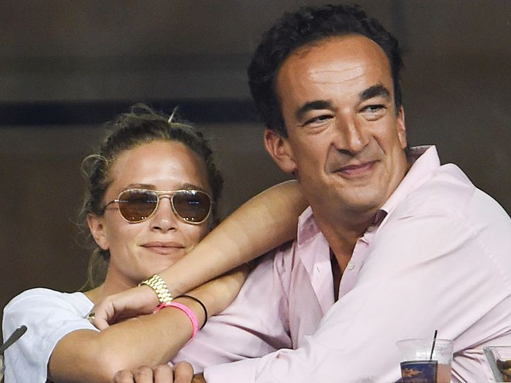 November 2015- Mary-Kate Olsen married French banker Olivier Sarkozy, her boyfriend of three years, they started dating in May 2012, become engaged in early 2014. A Friday evening in November 2015 the married in a small ceremony at a private residence in the couple's home city of New York. They had 50 guests who enjoyed cocktails in the home's back garden followed by dinner inside. All attendees were required to turn off their cell phones.