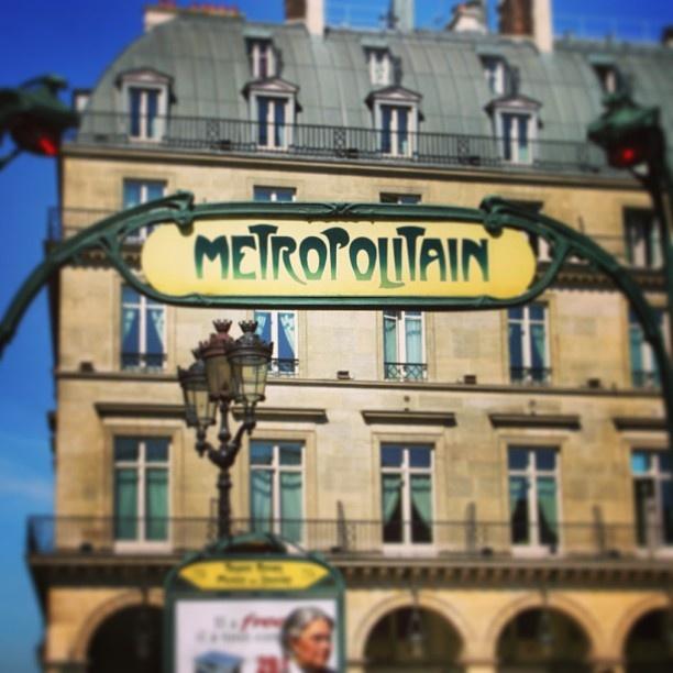 hostels in paris near bastille