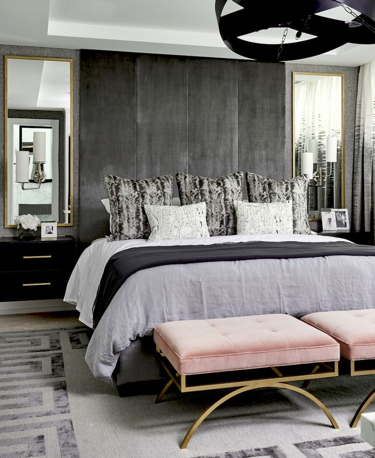 Chic bedroom with pretty pink stools || A pop of something unexpected – FIRST SENSE