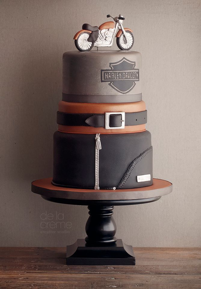 Can you believe this cake is totally edible...even the Harley Davidson bike?!