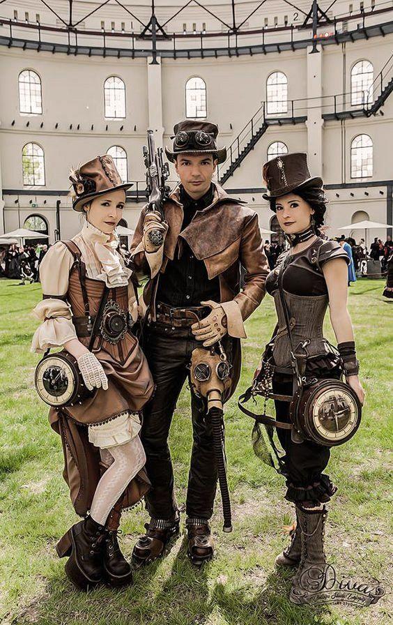 #steampunk es Ciencia ficción alternativa ubicada en un lugar que recuerda a Inglaterra durante la época victoriana, donde predomina la tecnología de la máquina a vapor.