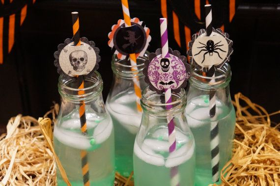 Set of 12 Halloween Paper Straws With Reusable by OneMoreChapter
