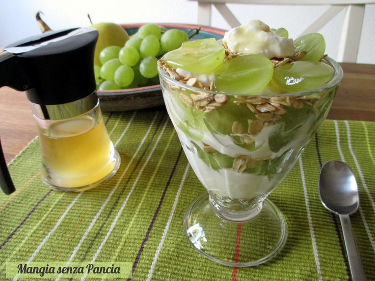 Composta di frutta con avena e quark