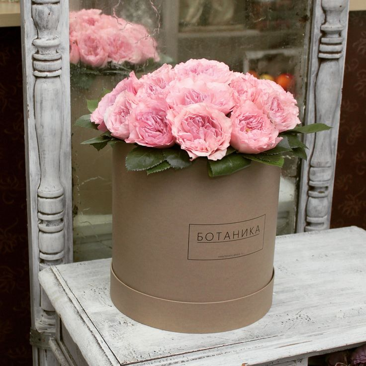 """Розы в шляпной коробке """"крафт"""""""