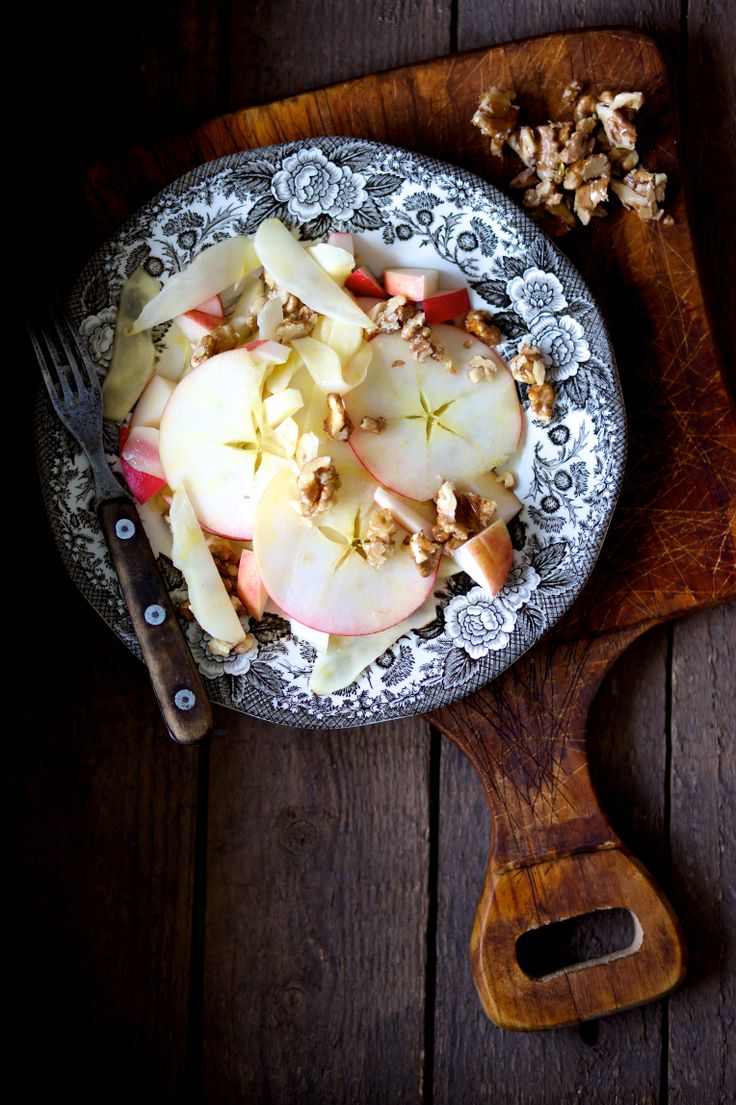 Delicious Salad by Ditte Ingemann - Find the recipe in English in Llamas' Valley - The Magic issue