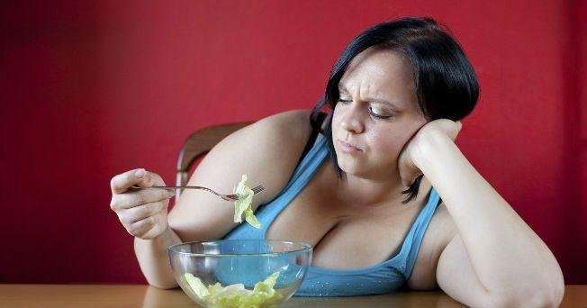 Los especialistas definen a la obesidad como la acumulación anormal o excesiva de grasa en una persona, lo que puede ser perjudicial para su salud. En algunas partes del mundo puede presentarse en el 50% de la población total, y cada día es más frecuente en los niños, lo que es un motivo de preocupación. Para identificar el sobrepeso y la obesidad, tanto a nivel individual como poblacional, se mide el índice de masa corporal (IMC), es decir, el peso en kilogramos dividido por el cuadrado de…