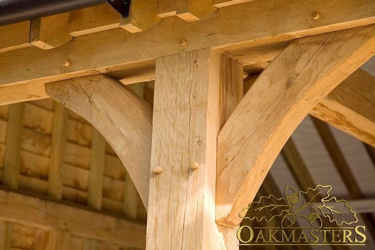 Oak Garages & Outbuildings - 1031: Quality craftsmanship. A curved brace - no compromise in quality for your oak framed garage.