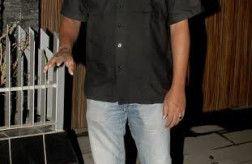 PICS: Aamir Khans Dangal team meets at his residence