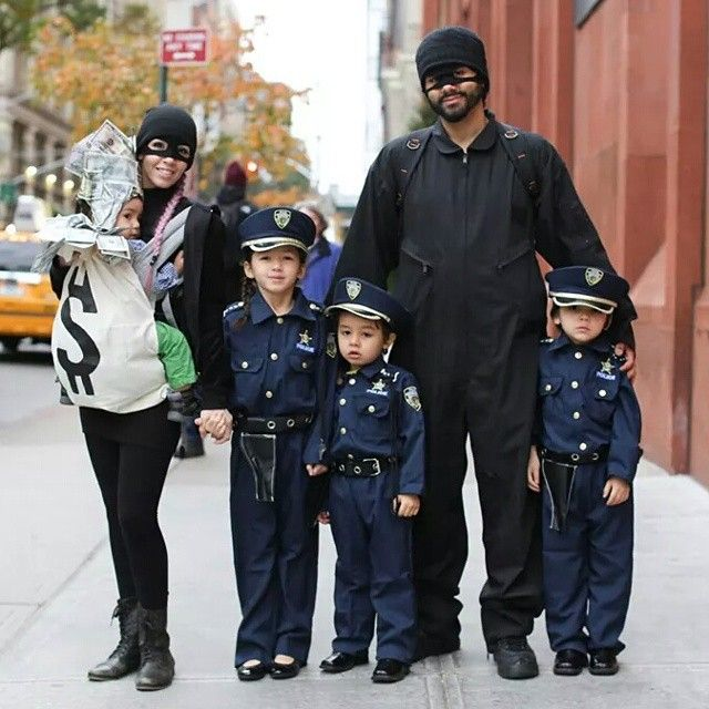 family halloween costumes canada