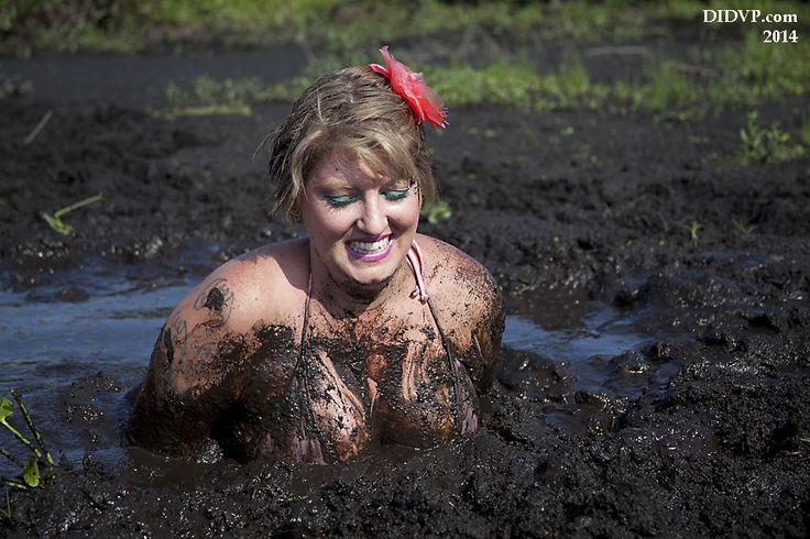 Raye nude midgets in quicksand