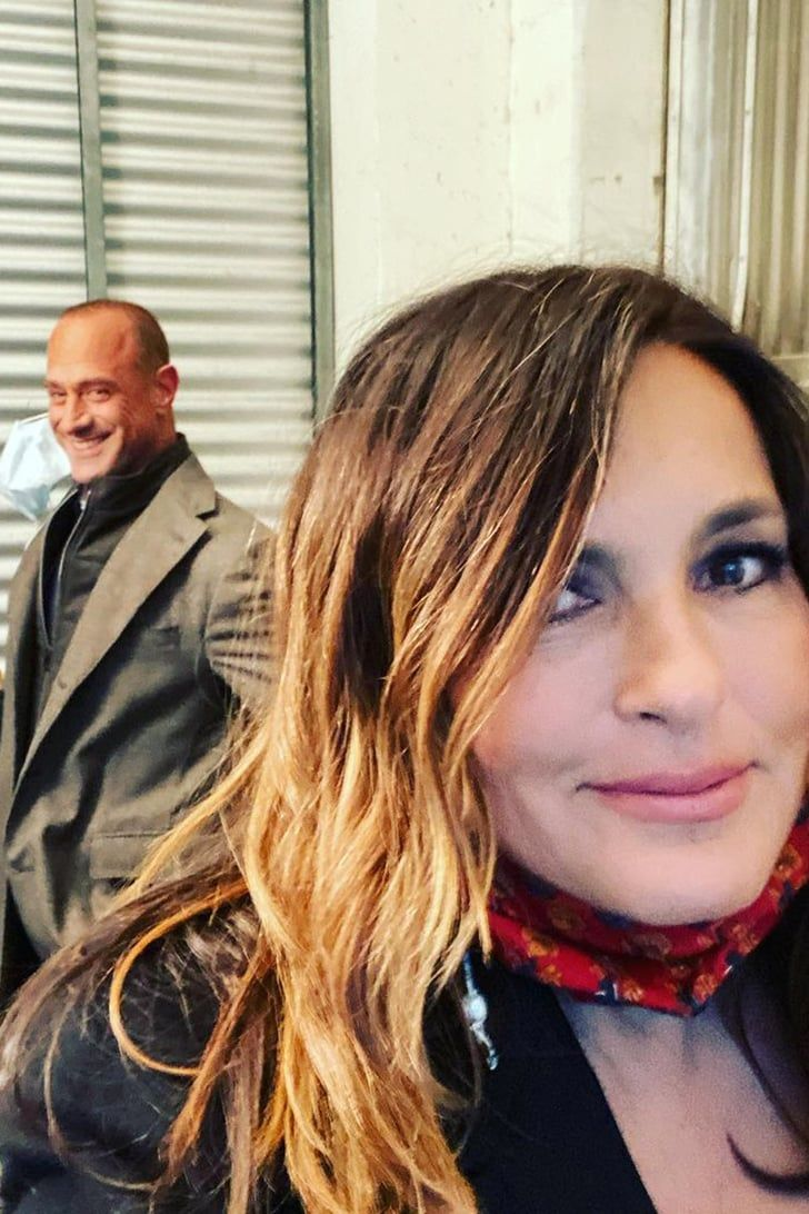 Christopher Meloni And Mariska Hargitay Are Back To Business In These New Svu Set Selfies In 2021 Mariska Hargitay Svu Selfie