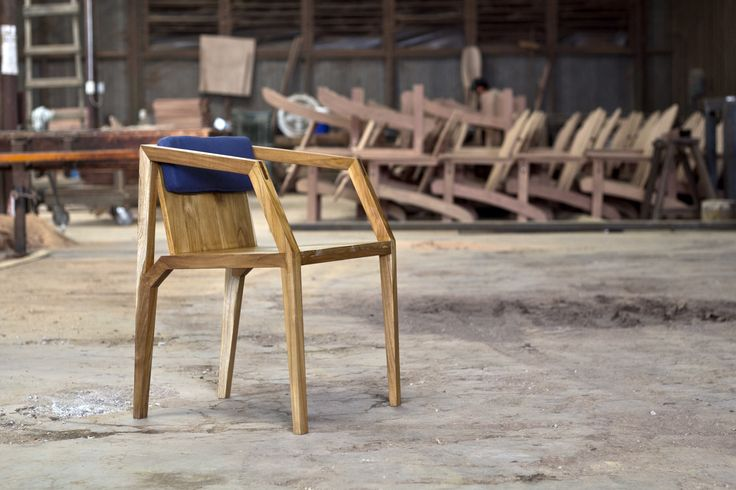 Aaron Poritz Furniture - amazing responsibly sourced wood furniture