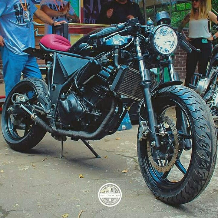 Kawasaki ninja 250r café racer By savage scrambler custom