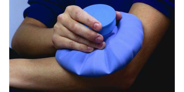 As compressas, podem ser frias ou quentes, feitas com panos ou bolsas apropriadas, têm o poder de aliviar dores apenas pelo tratamento térmico. Confira al