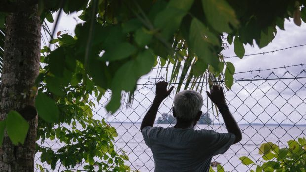 Manus Island class action: government to compensate former detainees in huge $90M settlement. The Australian government has agreed to compensate 1900 asylum seekers currently orformerly held atthe Manus Island detention centre, in what may be Australia'slargest ever human rights-related settlement.