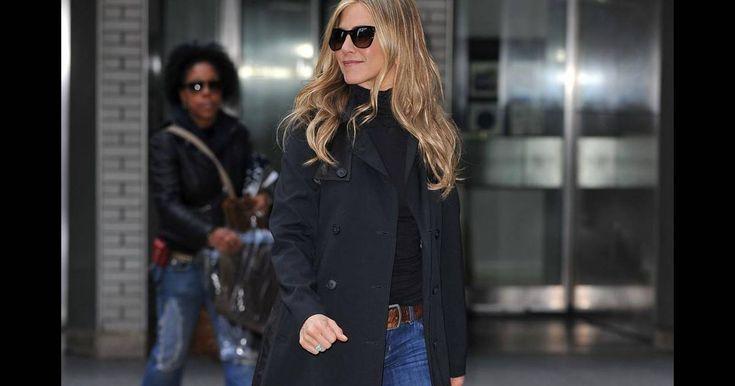 Jennifer Aniston est une femme qui ne s'arrête jamais et enchaîne les tournages. Aperçue sur le plateau à ciel ouvert de son nouveau film Wanderlust, l'actrice ......