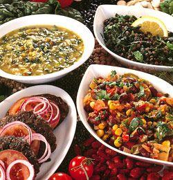 Bønner og linser er stappfulle av gode smaker og næringsstoffer, og i tillegg er det svært billig mat. Vi gir deg de gode oppskriftene.