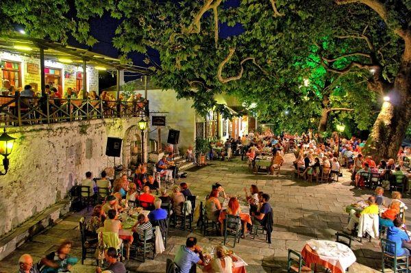Evening mood- central square of Vizitsa