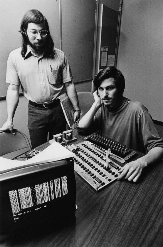 "Steve Jobs con Stephen Gary ""The Woz"" Wozniak e l'Apple I - Popsophia 2012 - www.popsophia.it"