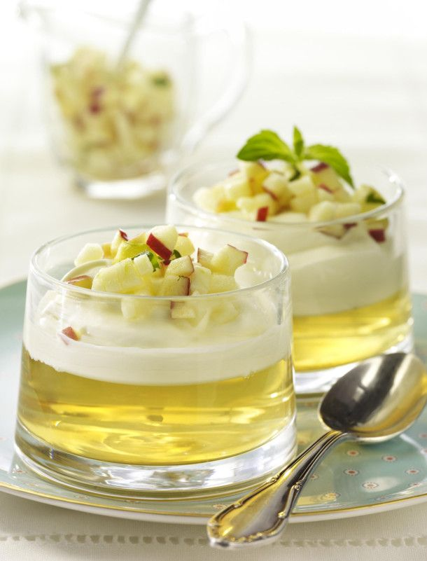 Unser beliebtes Rezept für Apfelgelee mit Vanille-Mascarpone-Creme und Apfel-Tatar und mehr als 55.000 weitere kostenlose Rezepte auf LECKER.de.