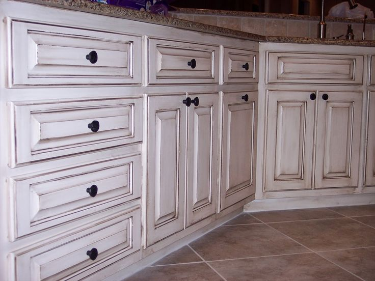 How to: Paint cabinets (secrets from a professional). All the tips and tricks you will ever need to know, straight from a faux painter. Antique glaze finish, on white, bathroom cabinets Theraggedwren.blogspot.com