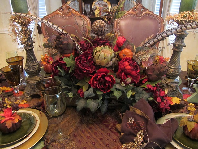 35 best images about tuscan flower arrangements on for Dining table centerpieces flowers