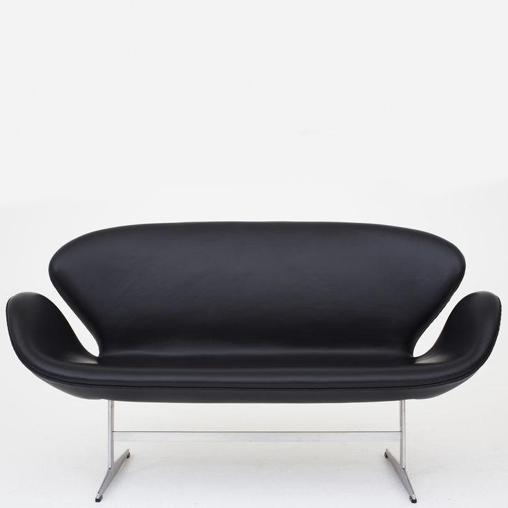 """AJ 3321 - """"Svane""""-sofa i sort læder"""