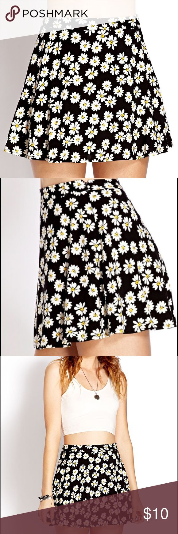 NEW Forever 21 Daisy Skirt New super cute Daisy skirt! Perfect for the summer & in the winter you can wear it with tights! Forever 21 Skirts Circle & Skater