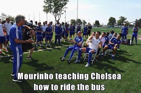 John Terry i spółka pobierają nauki od swojego trenera • Jose Mourinho uczy Chelsea Londyn jak jeździć autobusem • Wejdź i zobacz >> #chelsea #mourinho #football #soccer #sports #pilkanozna #funny
